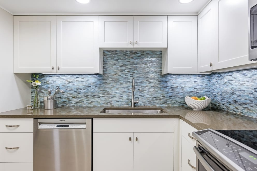 White Kitchen Blue Fish Scale Back Splash Gloss Shine Laminate Countertops Sink