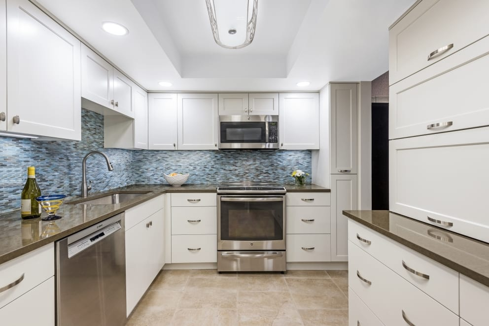 White Kitchen Blue Fish Scale Back Splash Gloss Shine Laminate Countertops Sink Wine Bottle Fruit Bowl Flowers