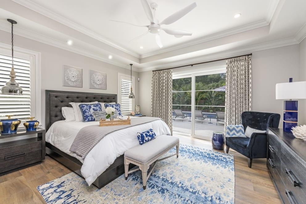 Biege Bedroom Cyan Blue White Rug Blue Pillows Metali Hanging Lights