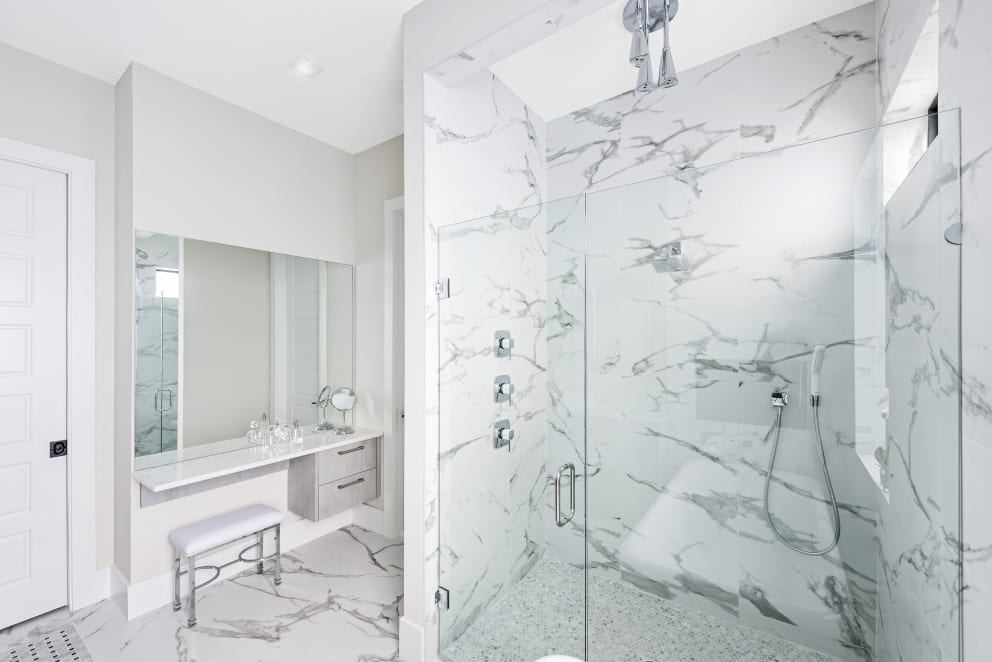 Marble Wall Tiles Glass Enclosed Shower