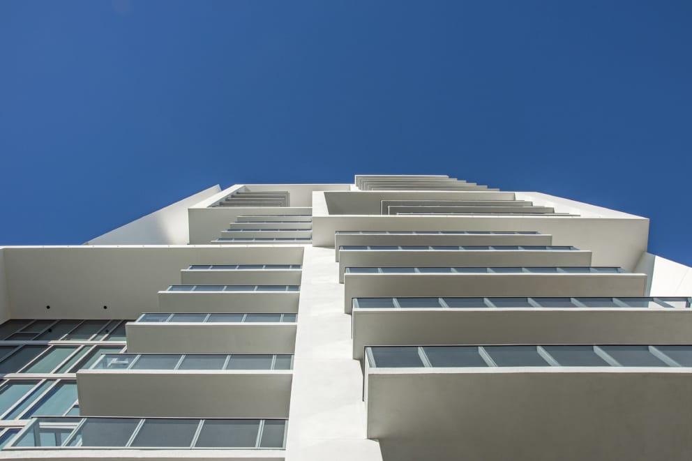 Vue Sarasota Architecture Pedestrian View Acute