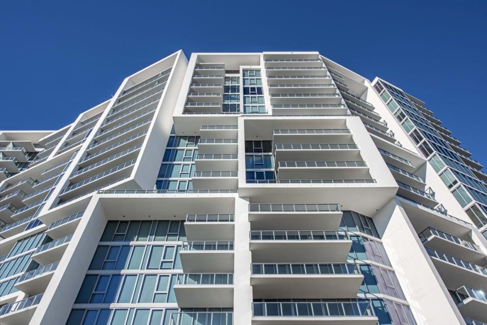Vue Sarasota Architecture Pedestrian View Full