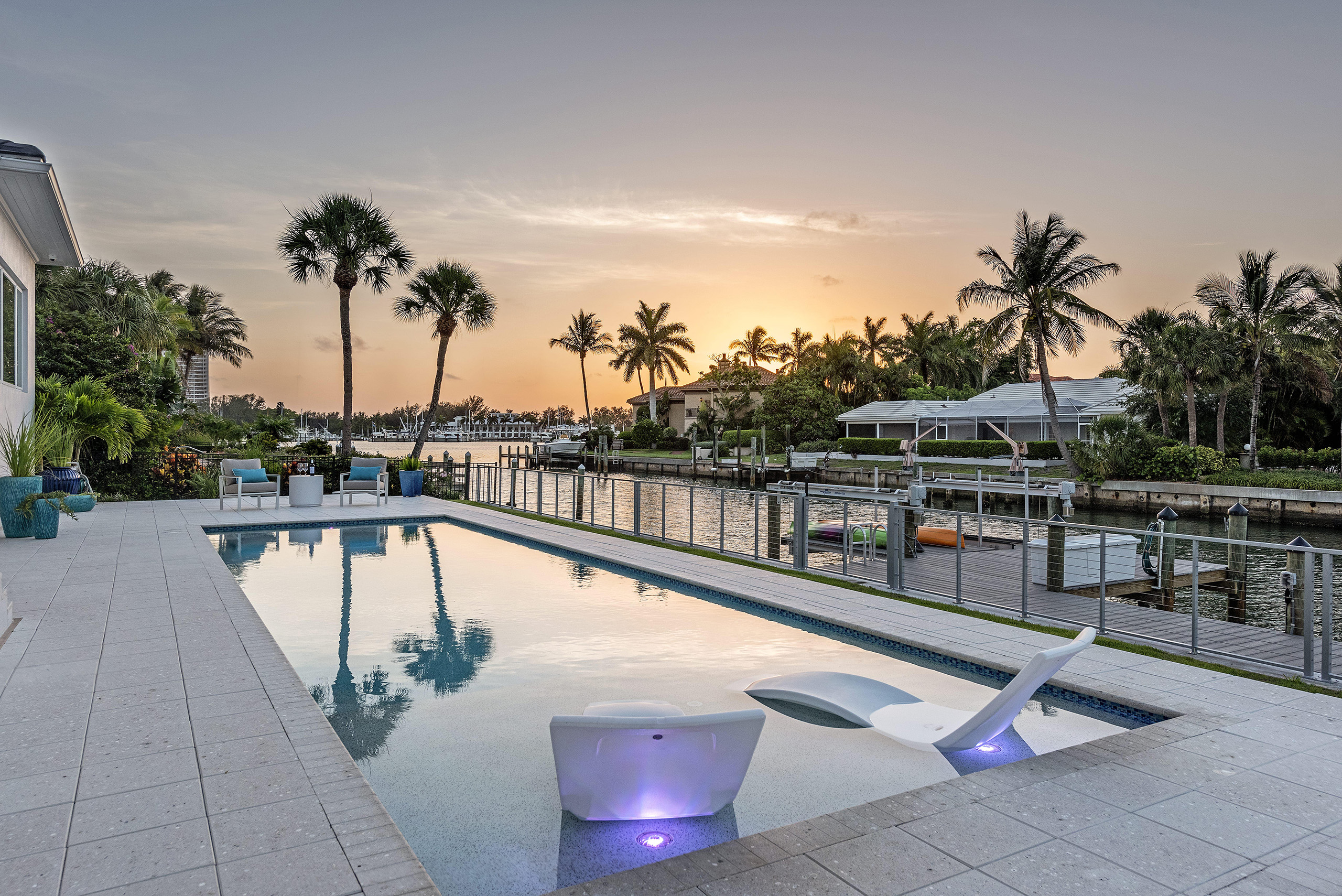 Linda Mixon Sunset Pool