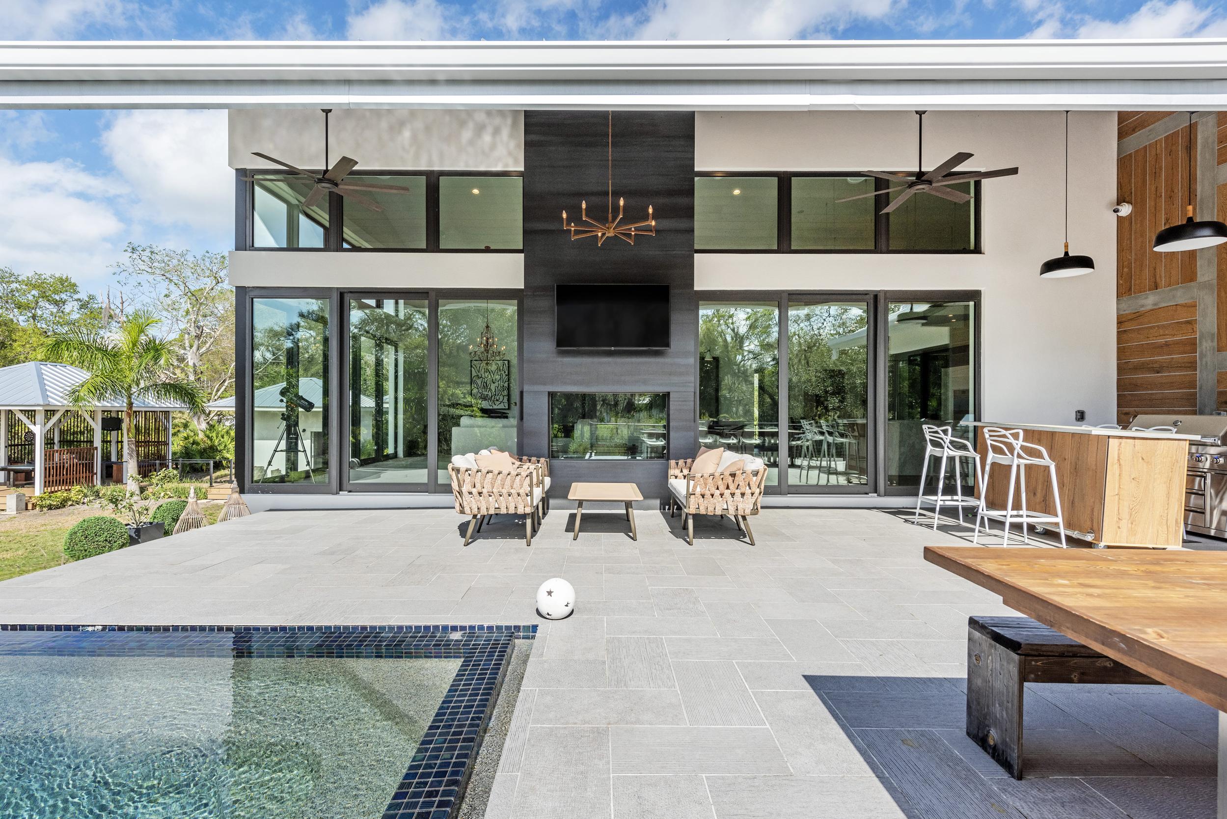 Pool Deck Stone Tile Straight On