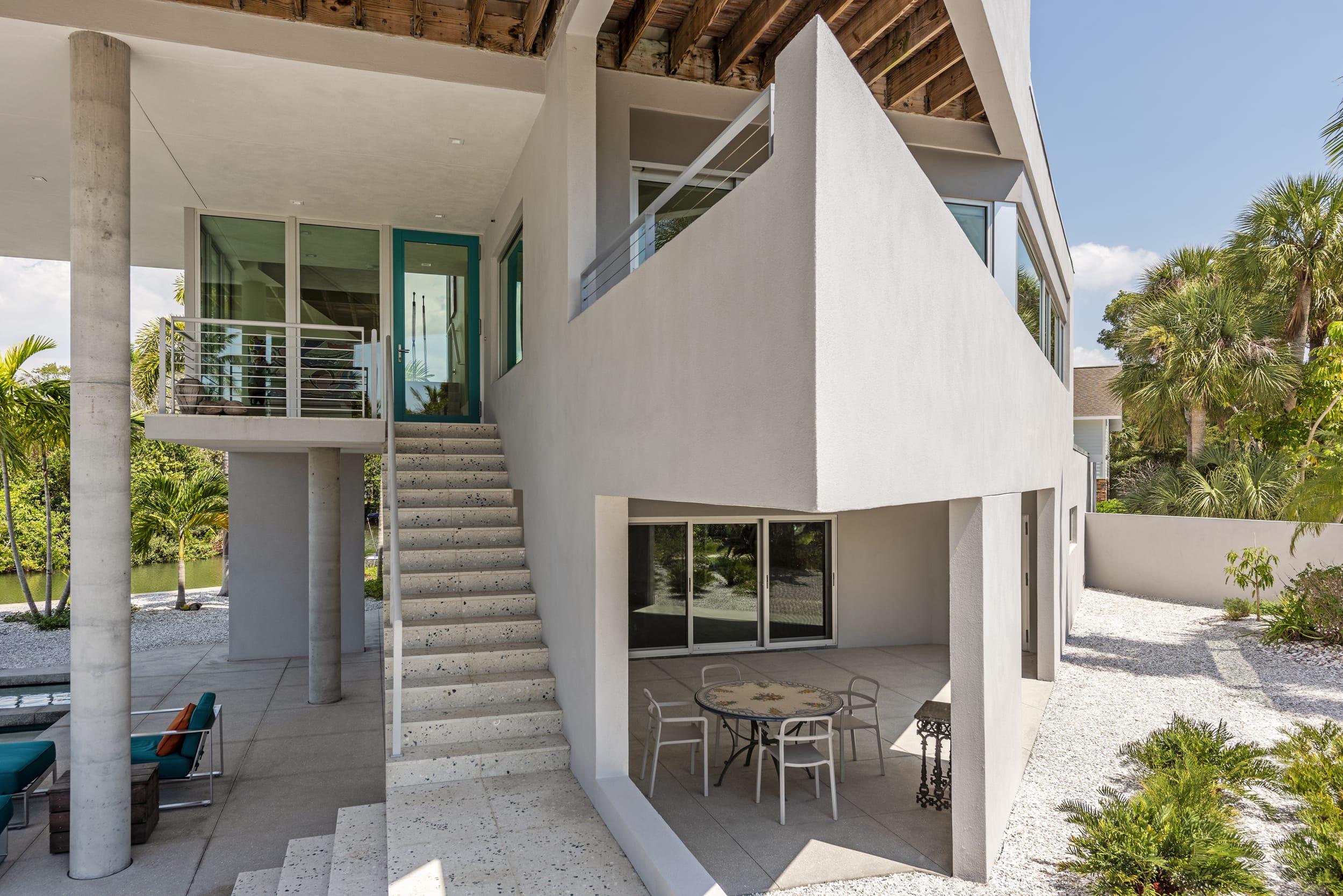 Carl Abbott Balcony Point Shape Angle