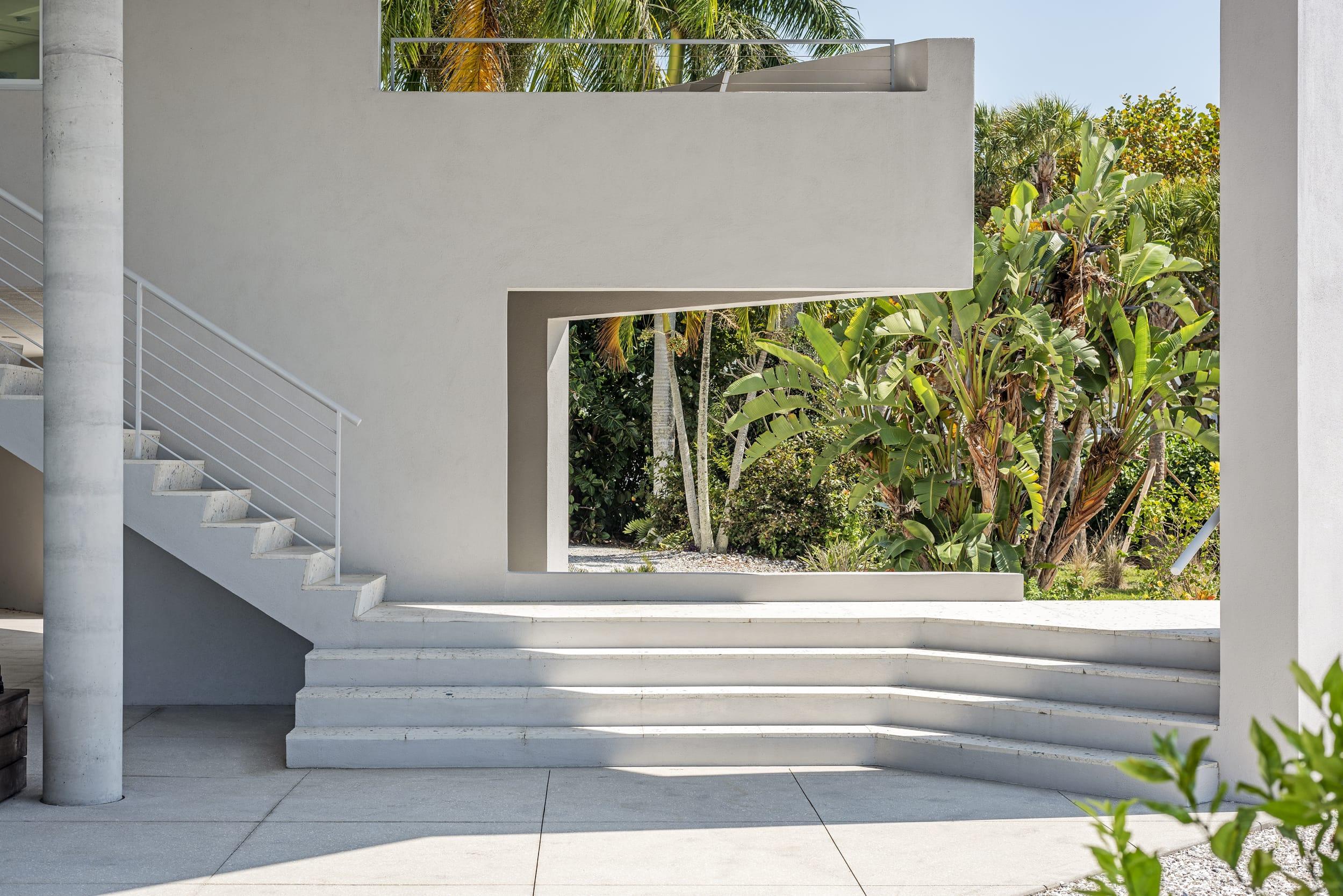 Carl Abbott Balcony Shape