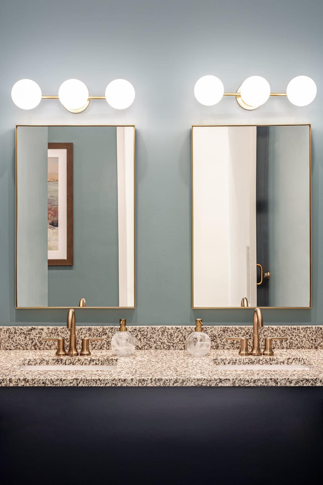 Studio121 Savona Club House Bathroom Sink Area