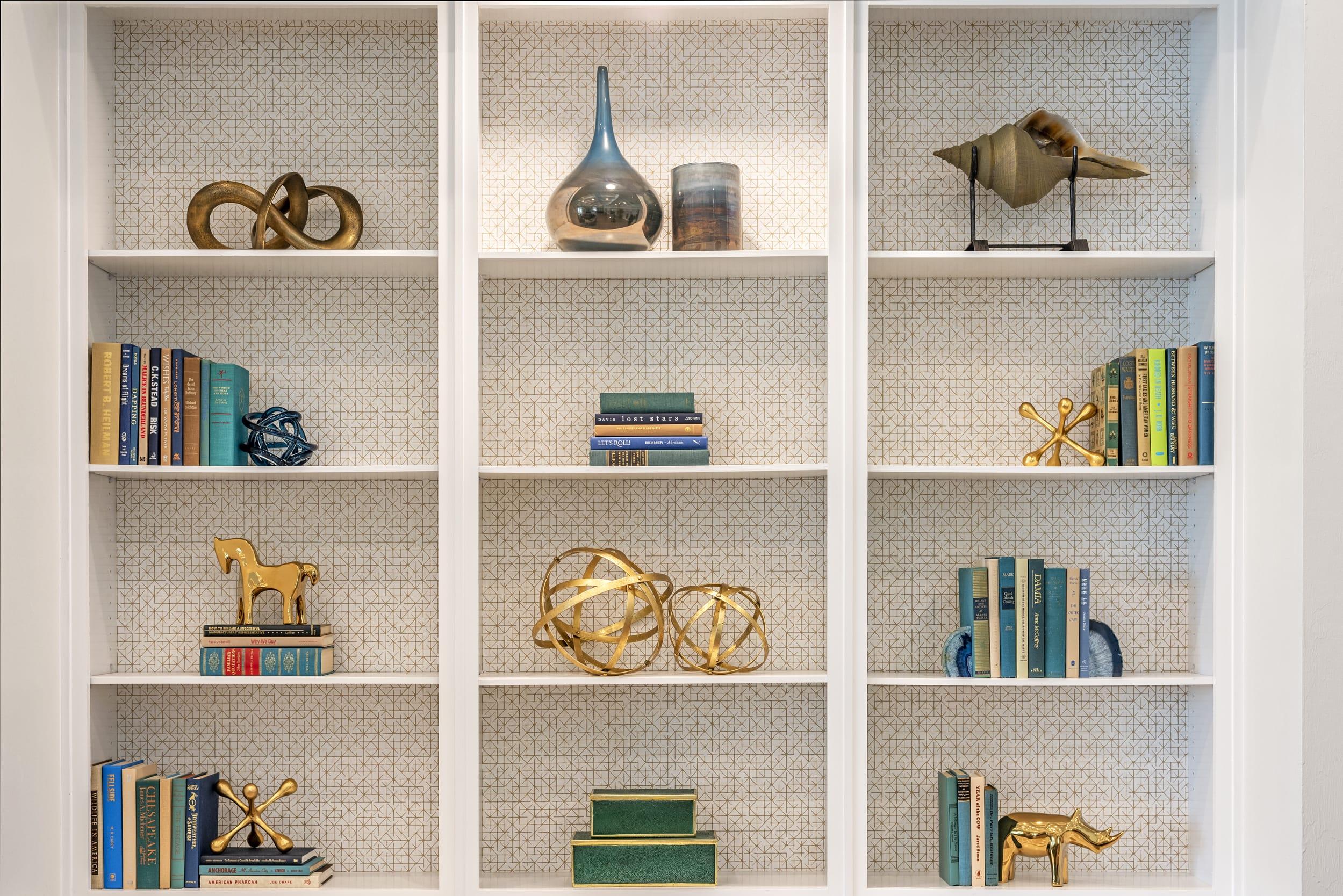 Studio121 Savona Club House Shelf Display