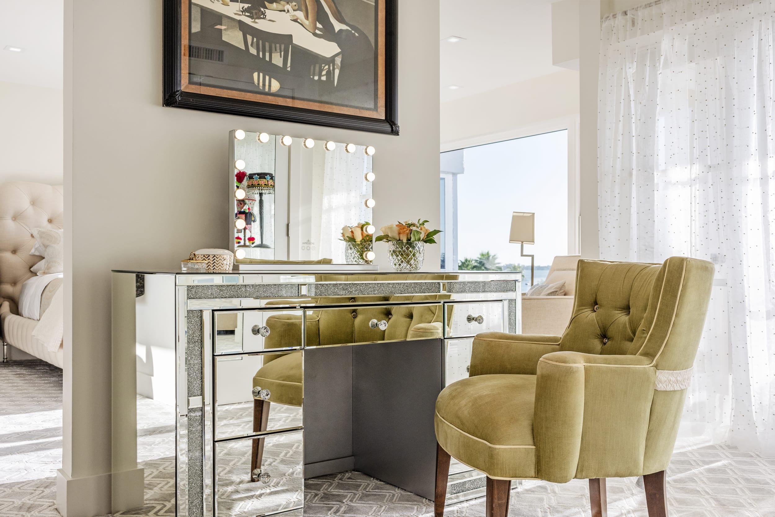 Reflective Vanity Powder Room Pea Green Arm Chair Mirror