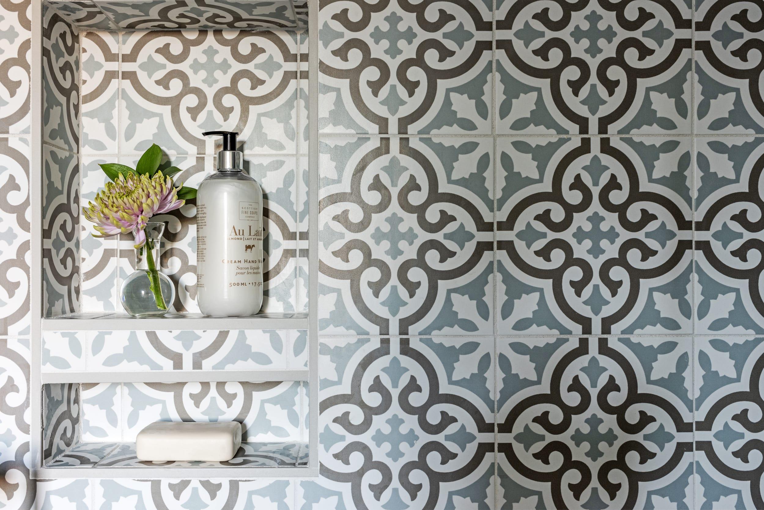 Victorian Tile Au Lait Soap
