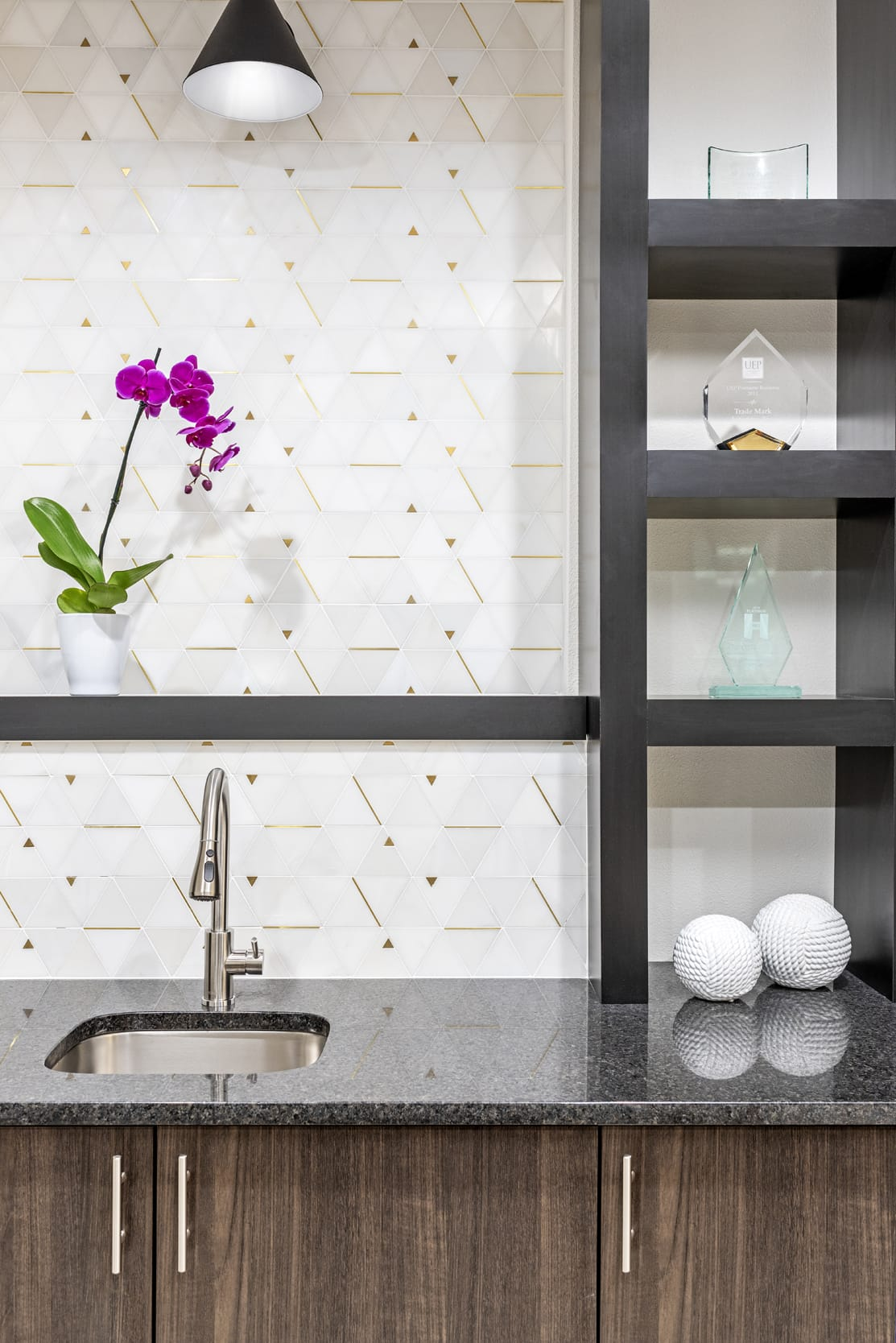 Ganite Countertop Matalic Sink Triangular Tiled With Gold Edges Purple Orchid
