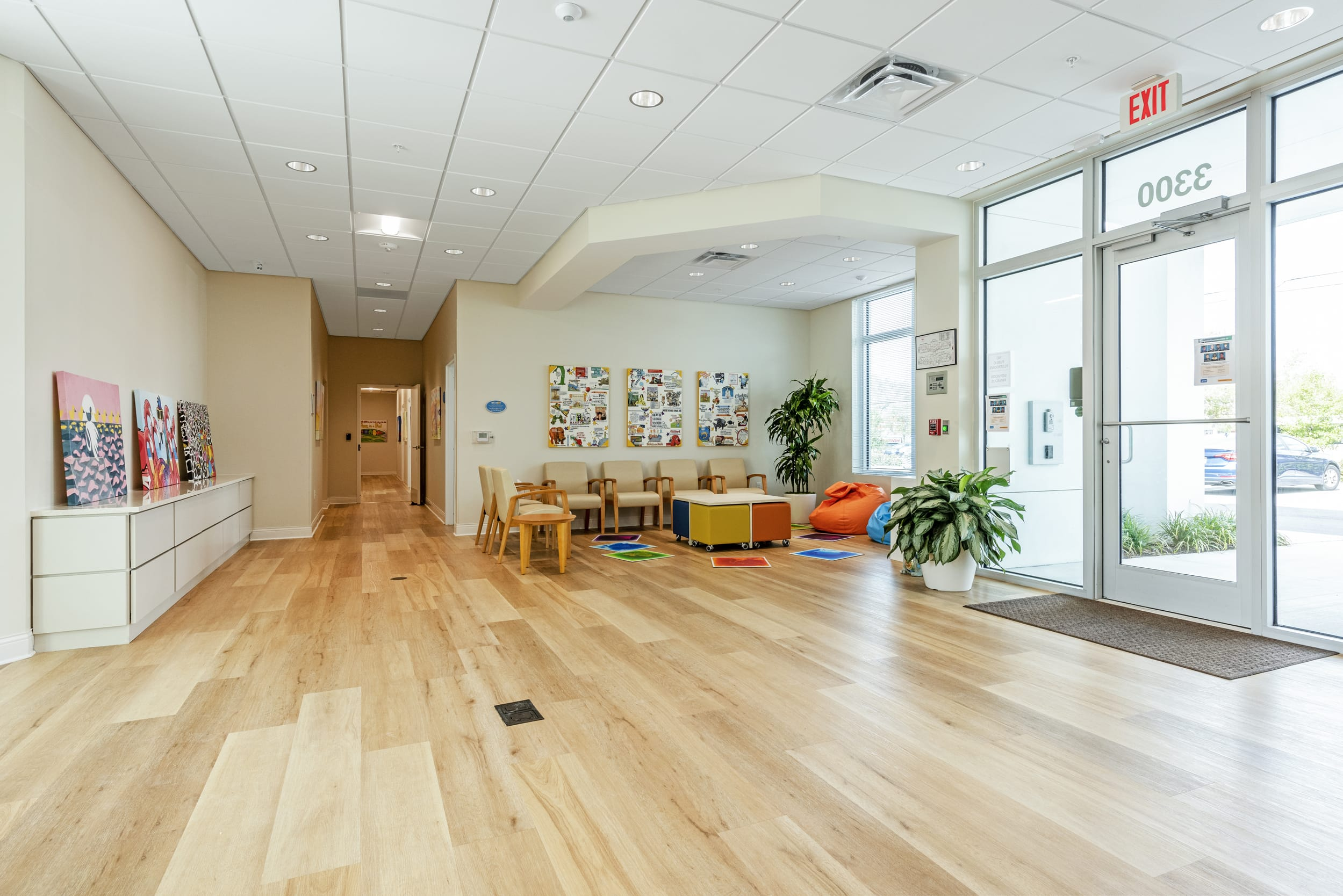 Reception Loby Entrance Wood Luxury Floors Waiting Room Biege Leather Chairs