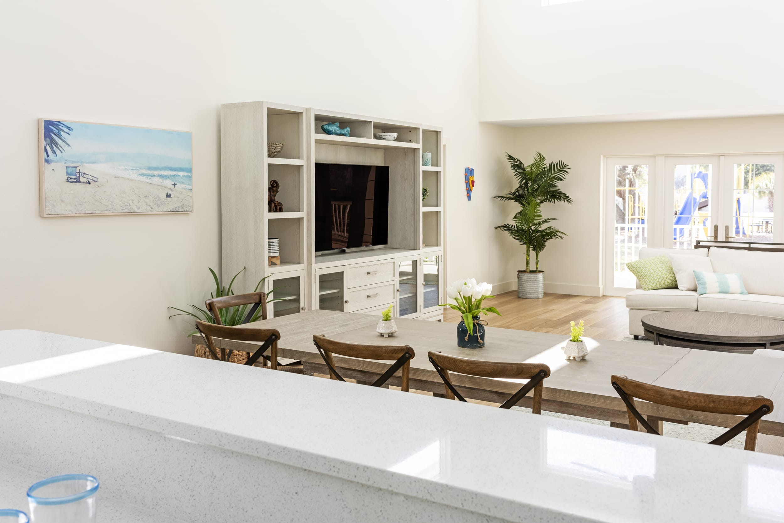 Wood Dinning Table Floors White Tulips Entertainment Center